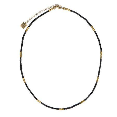 Ketting met met zwarte en goudkleurige kralen